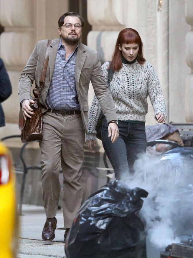 Tạo hình của Lawrence và Leonardo DiCaprio trong Dont Look Up. Ảnh: Backgrid.