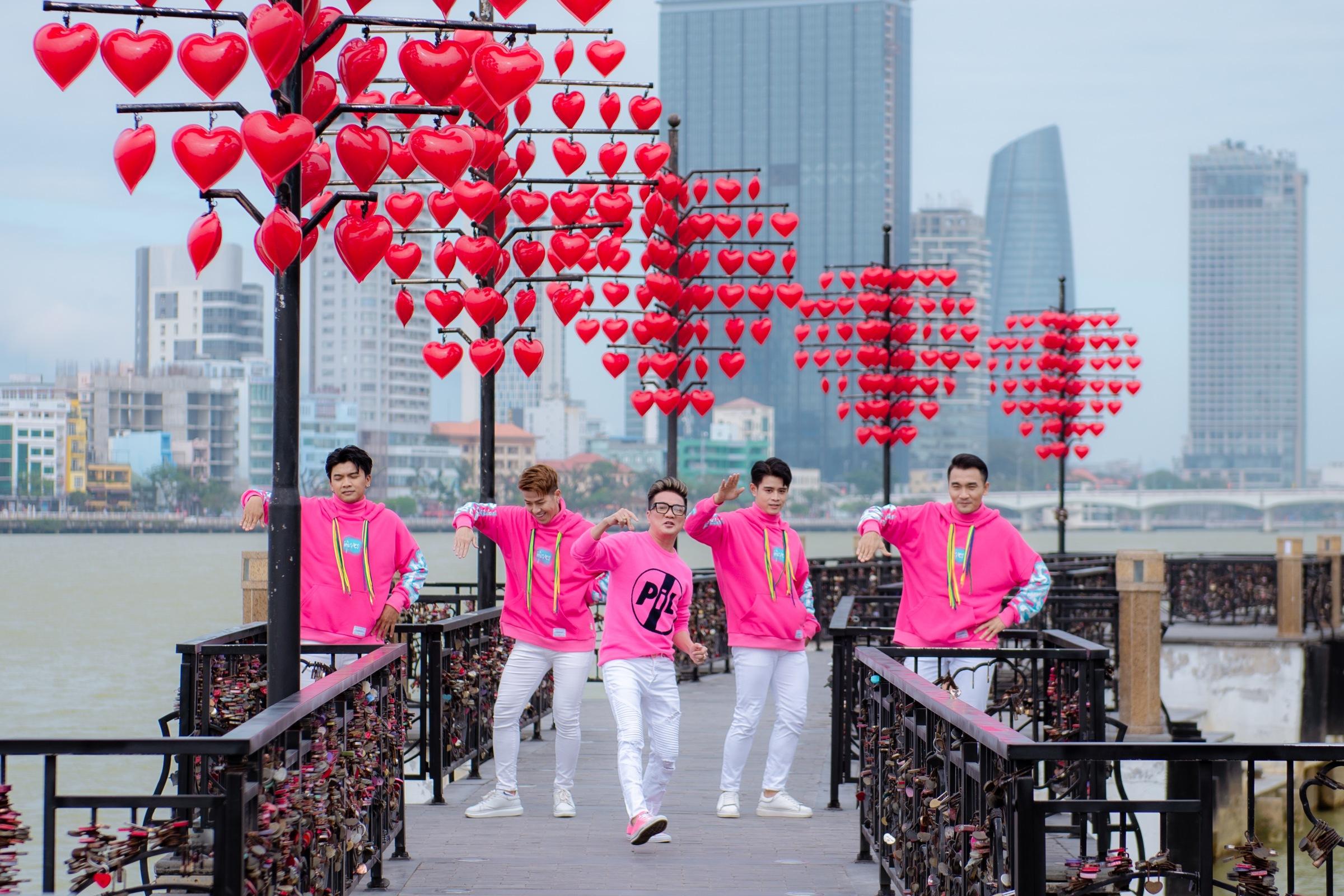 TP Đà Nẵng với cầu Rồng, cầu tình yêu.