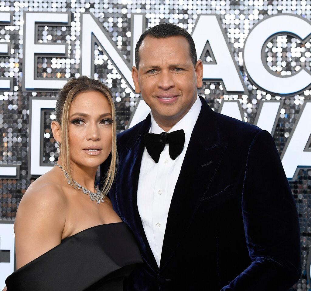 Vợ chồng Jennifer Lopez cũng sở hữu một căn hộ hồi năm 2018, nhưng đã bán ngay sau đó.