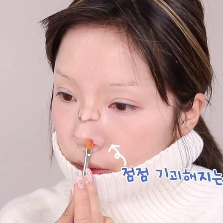 Màn hóa trang thành em bé của nữ Youtuber Hàn Quốc gây sang chấn tâm lý - 10