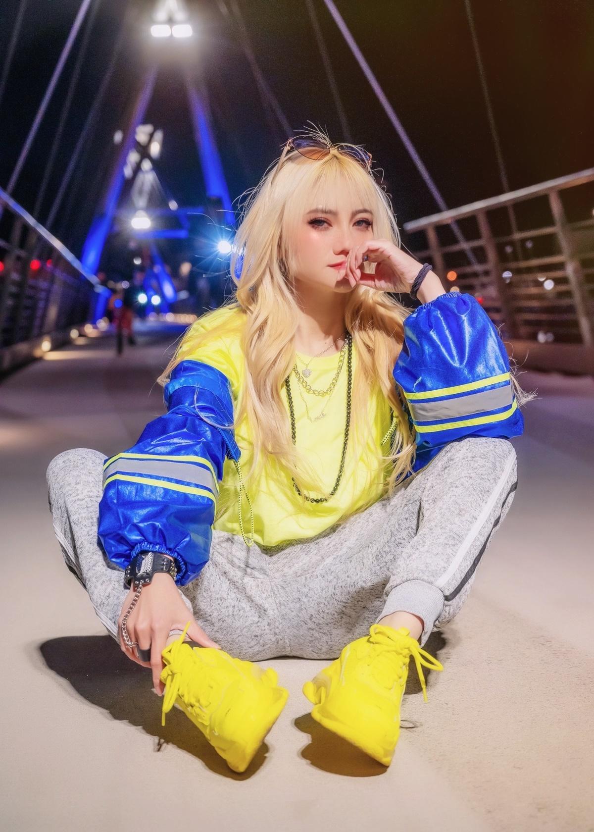 Nữ rapper được khán giả nhớ đến với hình ảnh năng động, trẻ trung trong những bộ cánh đậm chất thể thao.