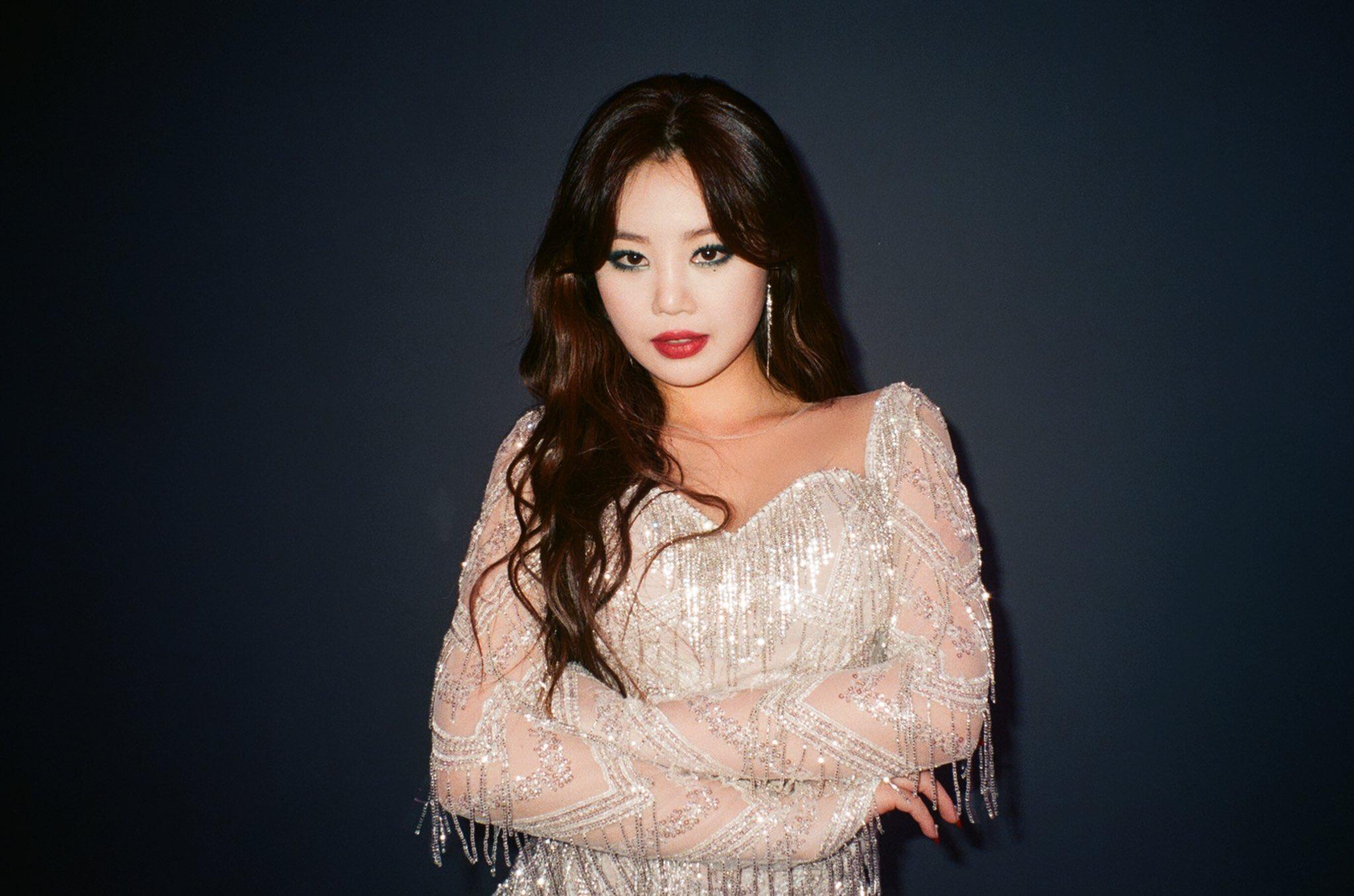 Soo Jin (G)I-DLE thừa nhận hút thuốc nhưng khẳng định chưa bao giờ bắt nạt bạn học