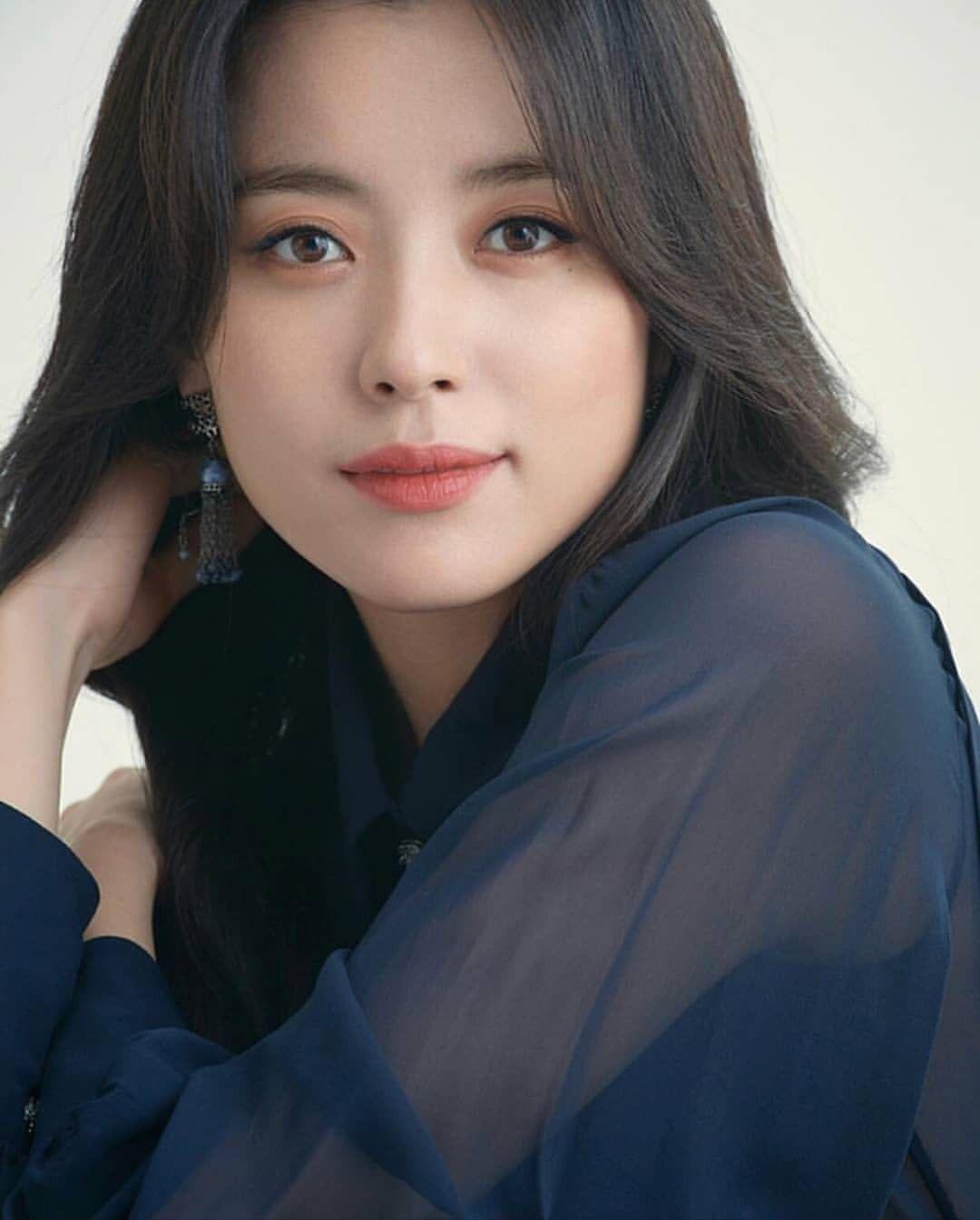 Han Hyo Joo sinh năm 1987, từng được bình chọn là Mỹ nhân cười đẹp nhất xứ Hàn.