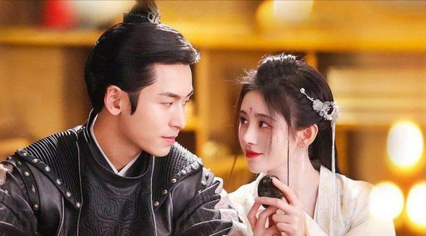 Trương Triết Hạn được gán ghép với Cúc Tịnh Y.