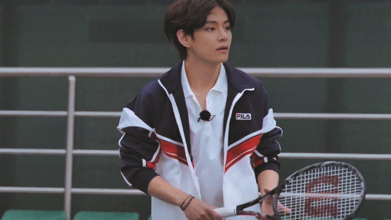 Xem anh chơi quần vợt nhé!