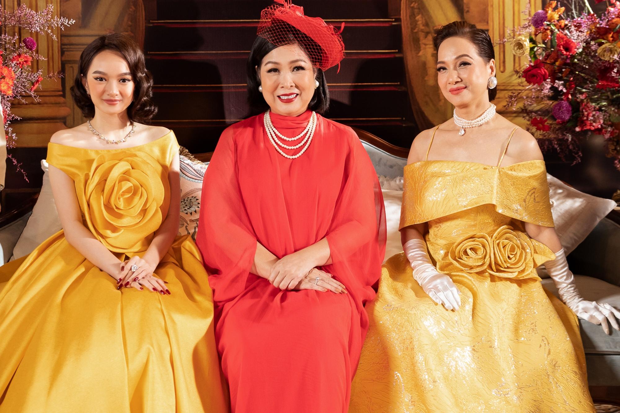 Ba chị em nhà Lý gia trong phim do NSND Lê Khanh, NSND Hồng Vân, Kaity Nguyễn thủ vai.