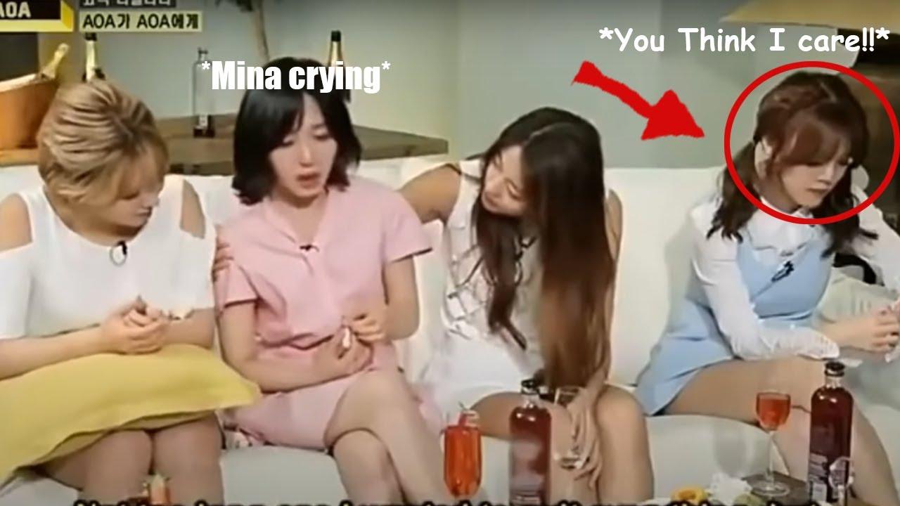 Tuy nhiên, cô nàng bị phát hiện là kẻ đứng sau màn bắt nạt thành viên cùng nhóm Mina suốt 10 năm liền. Chính những hành động quá đáng của Ji Min khiến Mina phải tìm cách tự tử và sau đó là rời nhóm. Netizen cũng tìm ra loạt bằng chứng thành viên AOA có cách hàng xử vô lễ với cả tiền bối trước ống kính. Hiện Ji Min đã rời khỏi làng giải trí nhưng những hành động của cô nàng vẫn khiến nhiều người bị sốc.