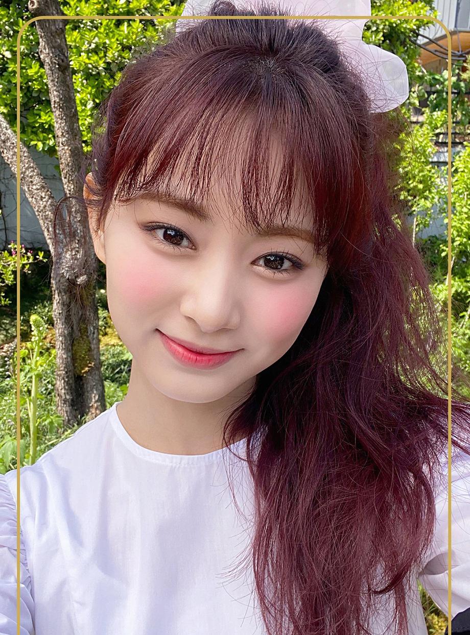 Nhiều khán giả nhận xét, girlgroup nhà JYP nên học hỏi lối trang điểm đậm nhưng vẫn rất bắt mắt của SM hay YG.