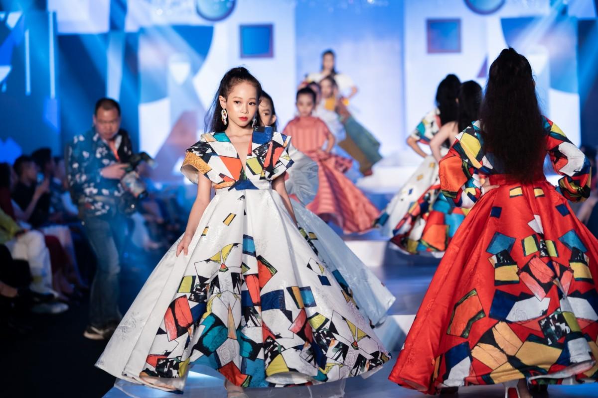, Đắc Ngọc cùng thương hiệu thời trang của mình đã tìm đường ra biển lớn khi liên tục là đại diện đầu tiên và duy nhất được gọi tên tại các sự kiện thời trang quốc tế như Malaysia Fashion Week 2018, London Fashion Week - House Of Ikons 2019, Saint - Petersburg Kids Fashion Day, Vie Fashion Week 2019, Bangkok International Kids Fashion Show 2010, Luxury Brand Global Fashion Week (Hàn Quốc), Thailand Fashion Week...