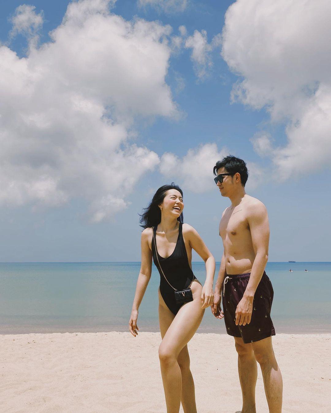 Mùa hè đã nóng, Hà Trúc còn nhiệt tình khoe ảnh hot bên người yêu phi công điển trai thế này - 4