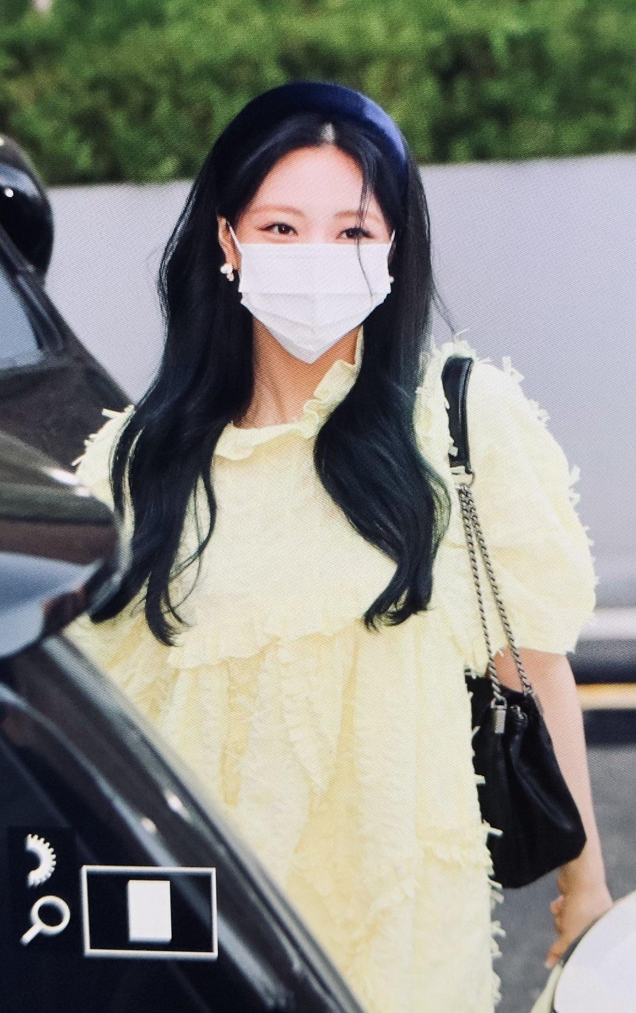 ITZY đi làm: Ryu Jin đỉnh của chóp, Yuna lại bị chê style bà bầu - 12
