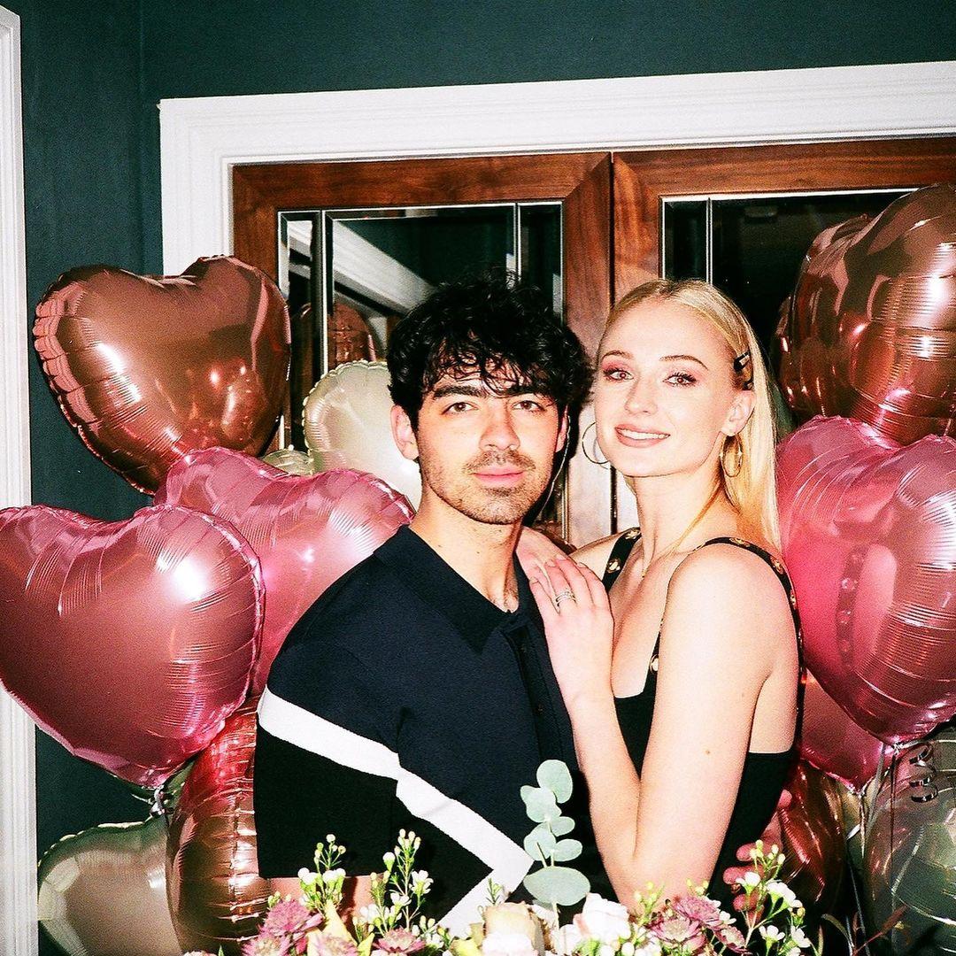 Sophie Turner là vợ của Joe Jonas. Cặp đôi vừa đón con đầu lòng hồi tháng 7/2020.