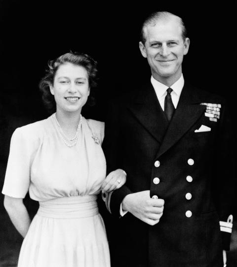 Cặp đôi đính hôn vào ngày 9/7/1947.