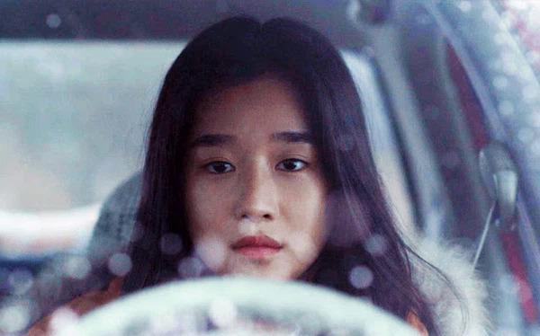 Seo Yeji gây tranh cãi loạt hành động điên rồ, có vấn đề thân kinh trong quá khứ