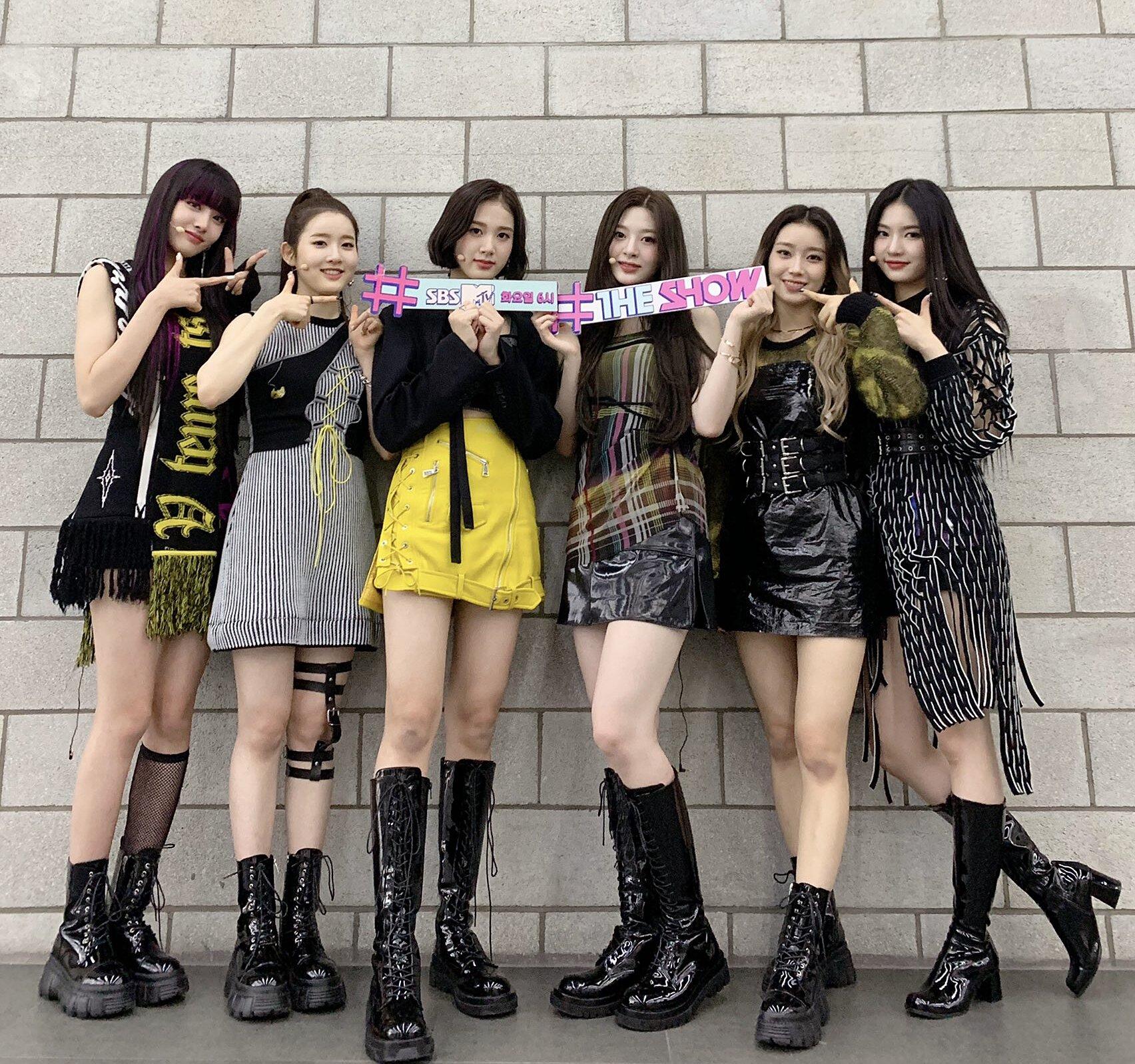 Các thành viên được lựa chọn outfit phù hợp theo vóc dáng, phong cách từng người.