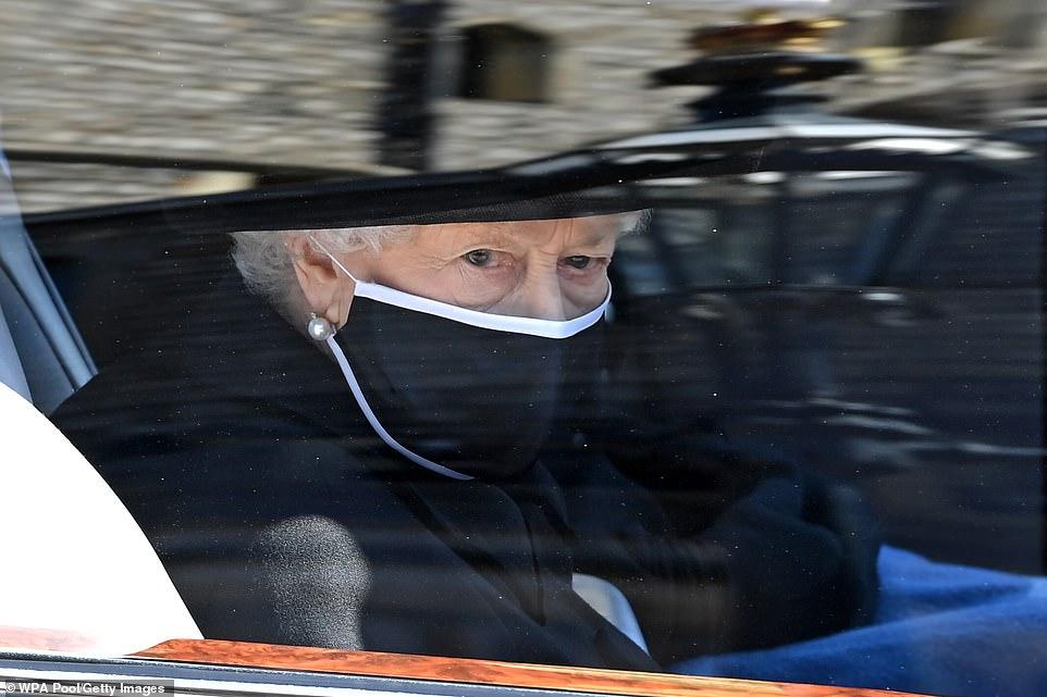Nữ hoàng ngấn lệ trong đám tang chồng, Hoàng thân Philip.