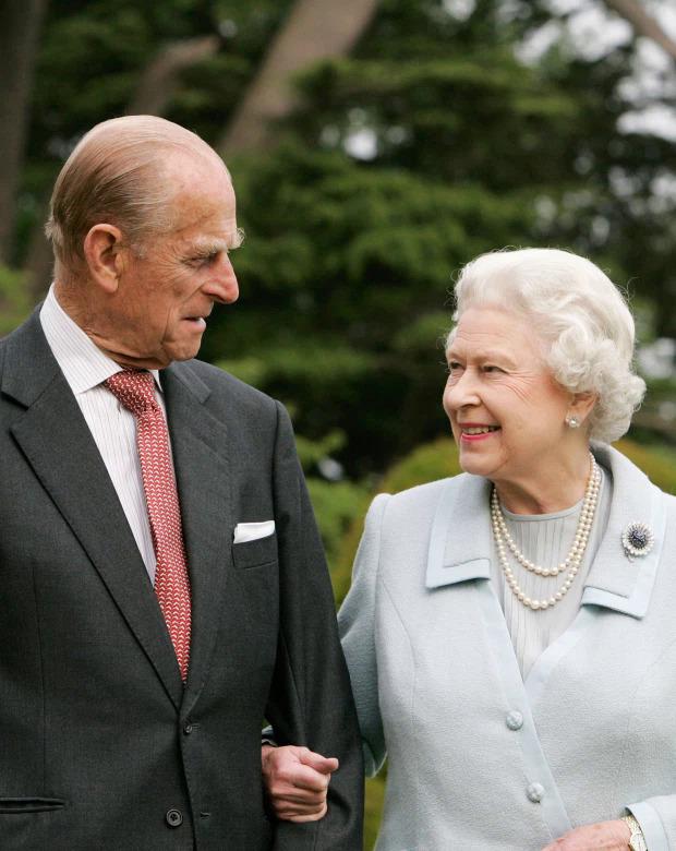 Từ nay bà sẽ bắt đầu cuộc sống thiếu vắng người chồng sau 73 năm gắn bó.