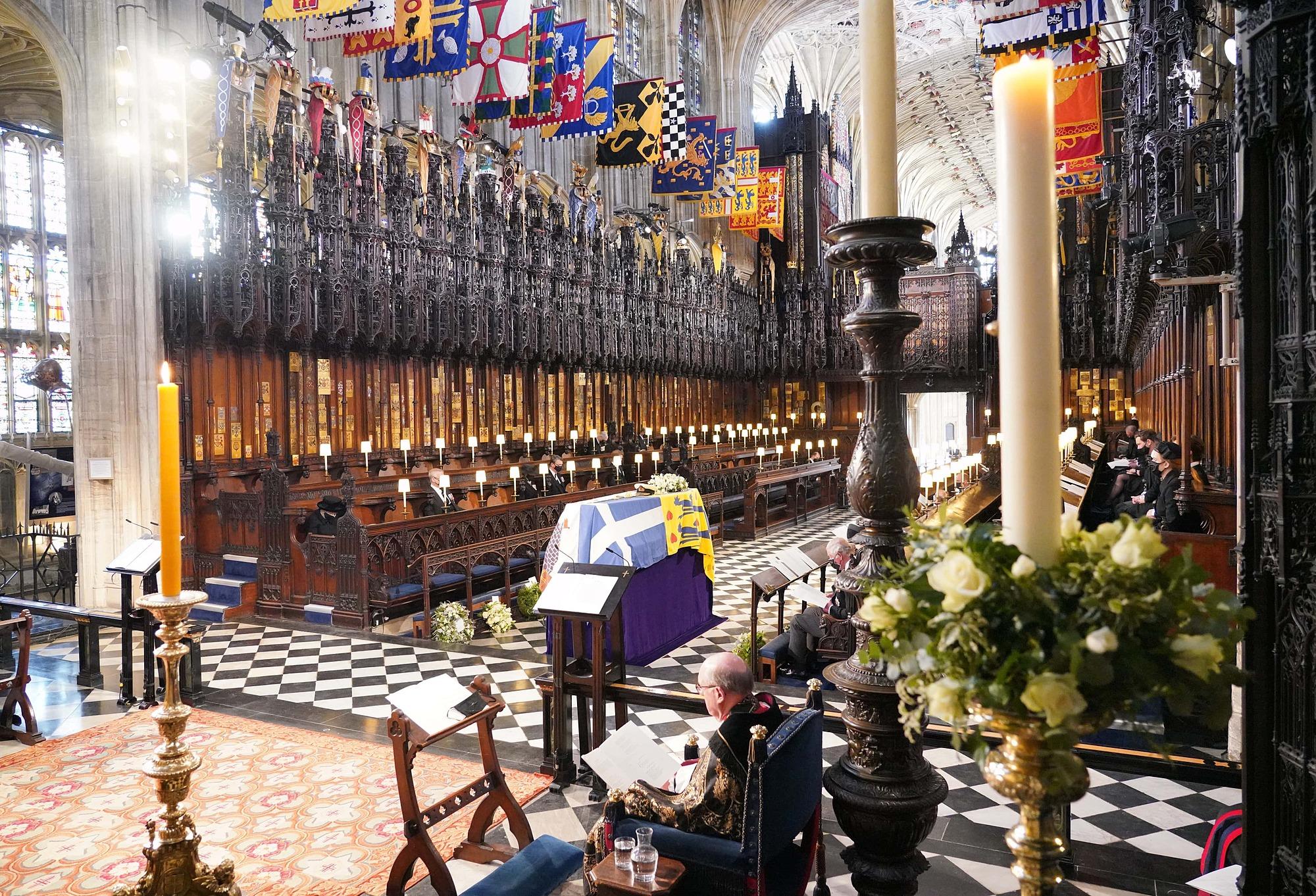 Khung cảnh tại Nhà nguyện St George ở Lâu đài Windsor tại đám tang của Hoàng thân Philip.