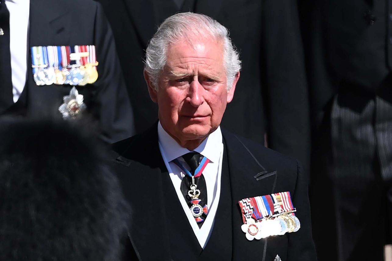Thái tử Charles khóc trong đám tang bố, Hoàng thân Philip.