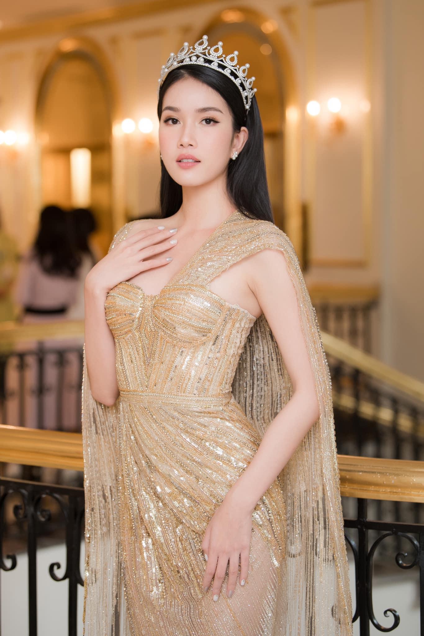 Ngay từ thời điểm lên ngôi Á hậu 1 tại Hoa hậu Việt Nam 2020, Phạm Ngọc Phương Anh đã được đánh là mảnh ghép hoàn hảo cho cuộc thi Miss International 2021. Cô sở hữu vẻ đẹp trong sáng, thanh lịch, đúng với tiêu chí mà cuộc thi này hướng đến.