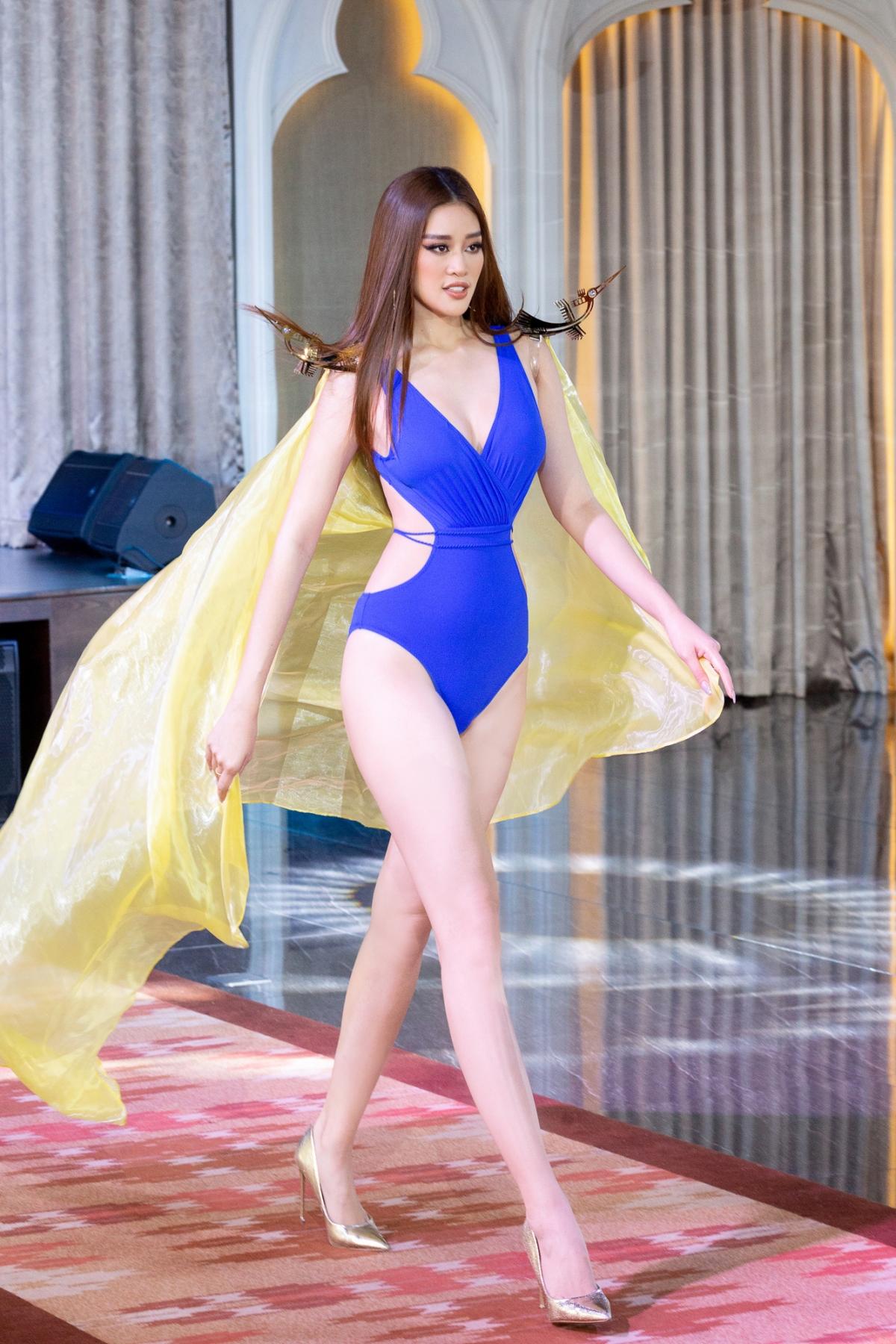 Có ê-kíp chuyên nghiệp, Khánh Vân được kỳ vọng sẽ nối tiếp thành tích đáng tự hào của các đại diện Việt Nam tại Miss Universe là HHen Niê, Hoàng Thùy. Nếu như năm 2018, HHen Niê làm nên kỳ tích khi đưa Việt Nam lần đầu tiên được gọi tên trong top 5 chung cuộc thì Hoàng Thùy cũng viết tiếp thành tích on top với thứ hạng top 20. Với Khánh Vân, đây vừa là cơ hội, vừa là thách thức cho cô tại đấu trường nhan sắc khốc liệt nhất hành tinh.