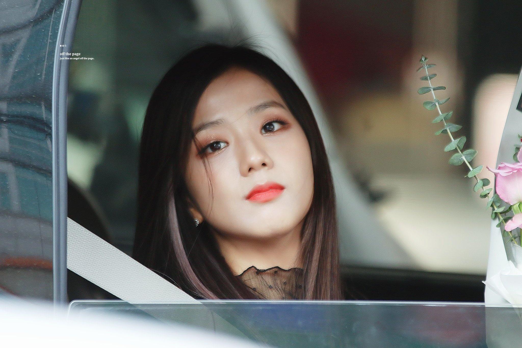 Ji Soo bị cộng thêm vài tuổi vì đổi style lông mày sâu róm - 6