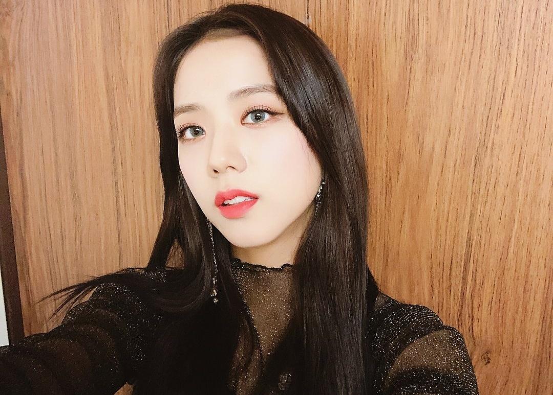 Ji Soo bị cộng thêm vài tuổi vì đổi style lông mày sâu róm - 8