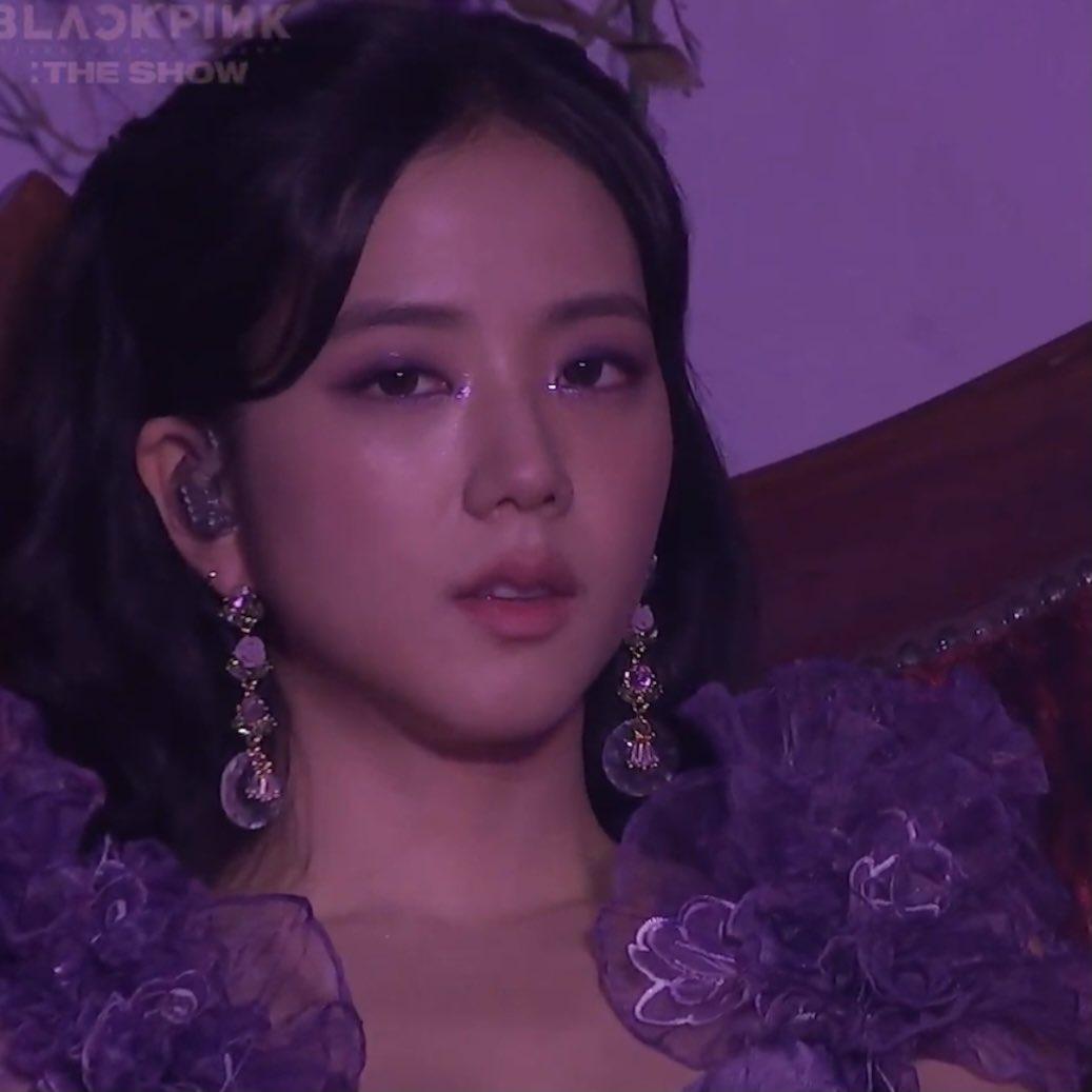 Ji Soo bị cộng thêm vài tuổi vì đổi style lông mày sâu róm - 1