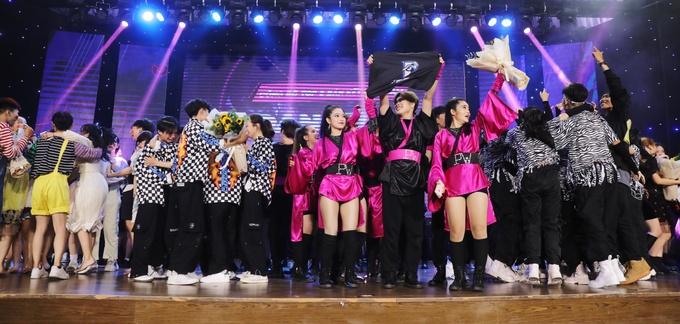 Các thí sinh miền Nam vỡ òa hạnh phúc khi giành vé vào Chung kết.