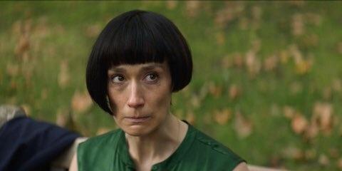Tóc của Halle Berry khiến tôi nhớ đến phim Fleabag.
