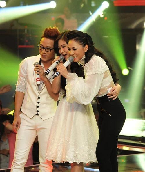 Trúc Nhân, Hương Tràm cùng là học trò của Thu Minh ở The Voice mùa đầu tiên.