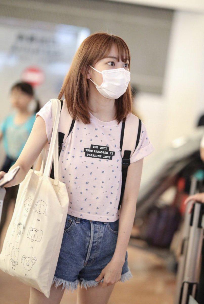 Biến đổi style của Sakura (IZONE): Từ bọc ni lông lên đời thành túi trăm triệu - 7