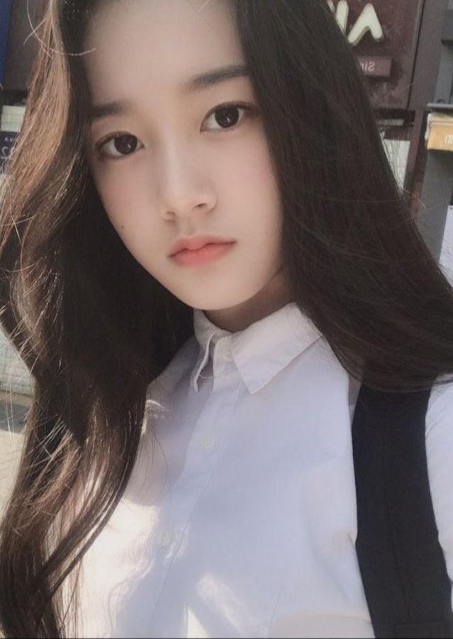 Em út StayC được so sánh với Yoona nhờ khí chất ngây thơ, tươi tắn - 7