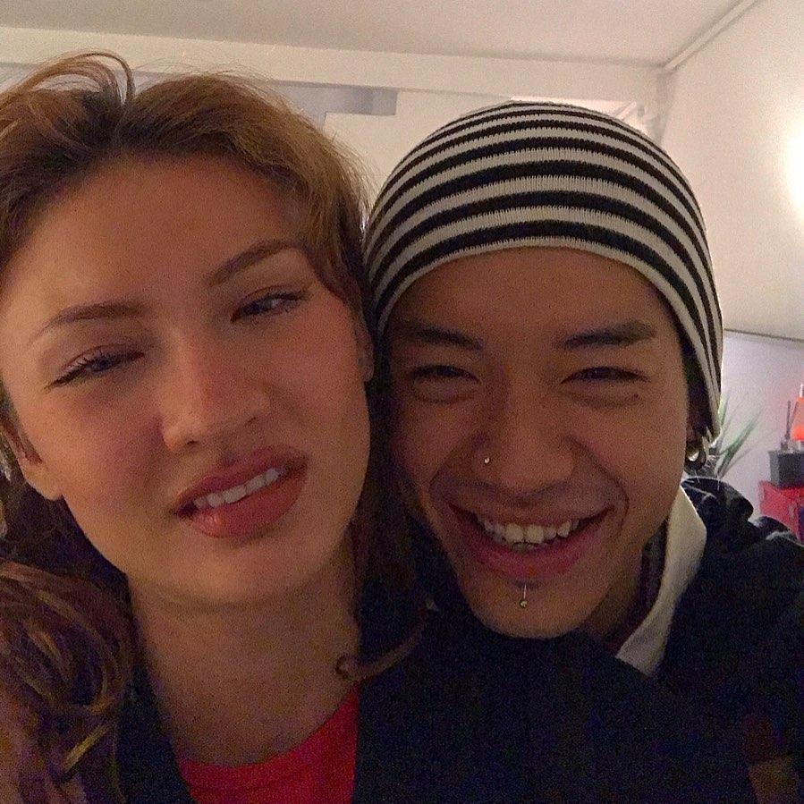 Billie Eilish thả tim ảnh cặp đôi Underground Việt Nam - 3
