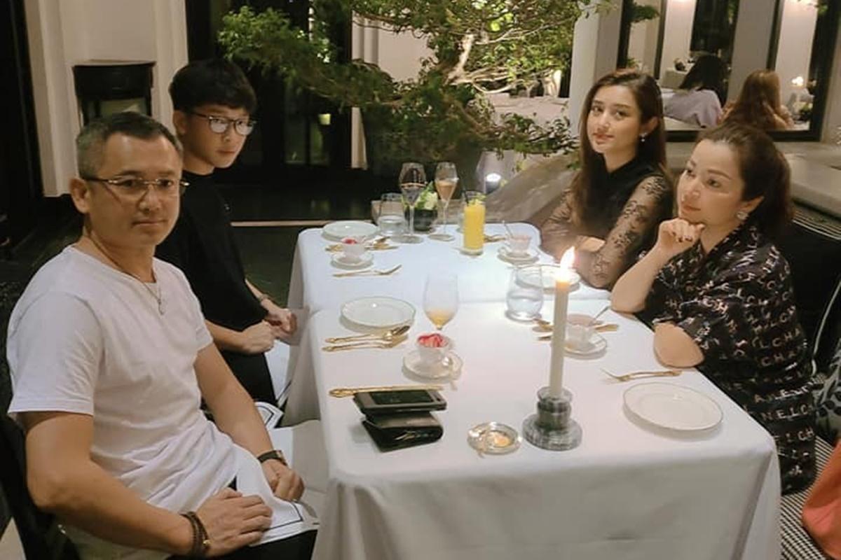 Gia đình Huyền My nghỉ dưỡng tại Đà Nẵng.