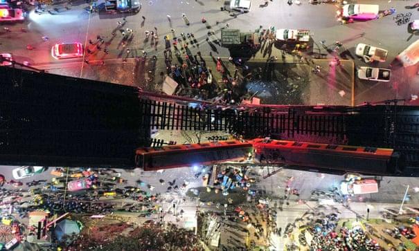 Hình ảnh chụp về vụ sập cầu từ trên cao.
