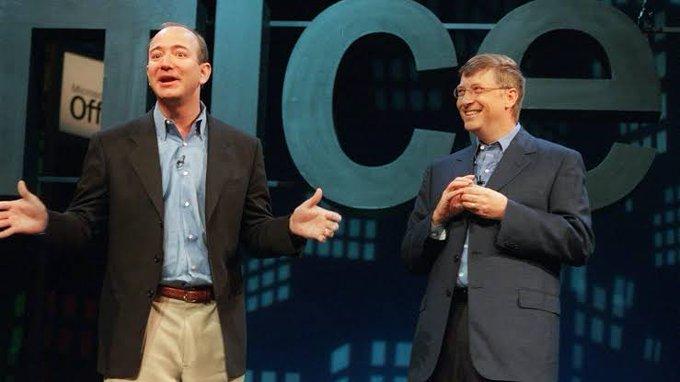 Jeff Bezos giang rộng vòng tay, giới thiệu Bill gia nhập Câu lạc bộ ly hôn tỷ phú.