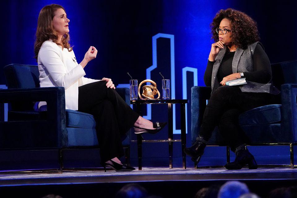 Melinda Gates trong cuộc trò chuyện với nữ hoàng truyền thông Oprah Winfrey.