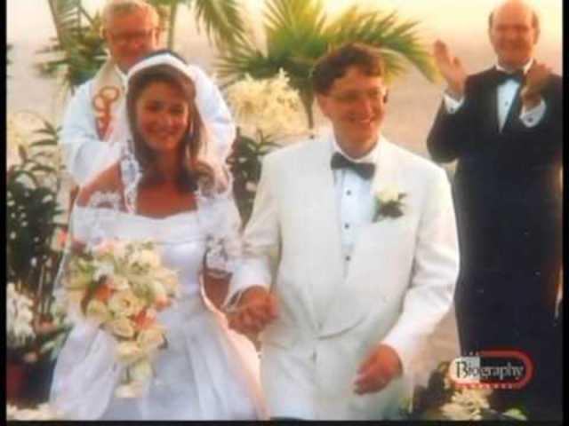 Bill Gates và Melinda trong đám cưới ngày 1/1/1994.