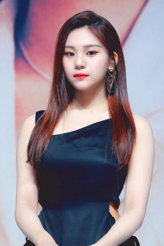 Nữ idol xấu nhất lịch sử khí chất như diễn viên nhờ đổi kiểu dáng lông mày - 4