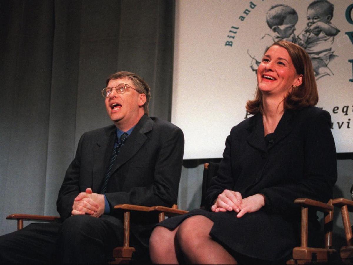 Warren Buffett, người thân thiết với cặp đôi, nói với Fortune rằng Bill 'rất thông minh' nhưng về 'nhìn tổng thể' thì Melinda lại hơn. Trên Reddit, Bill nói rằng vợ và Buffett là hai người nổi tiếng mà ông yêu thích sau Bono và Jimmy Carter.