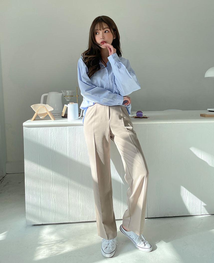 Với những chiếc áo màu pastel, bạn có thể mix cùng quần jeans/chân váy để đi chơi hay quần vải để đi làm đều đẹp mắt.