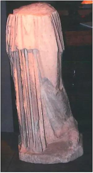 Bức tượng được đề tên người mua là Kim Kardashian.