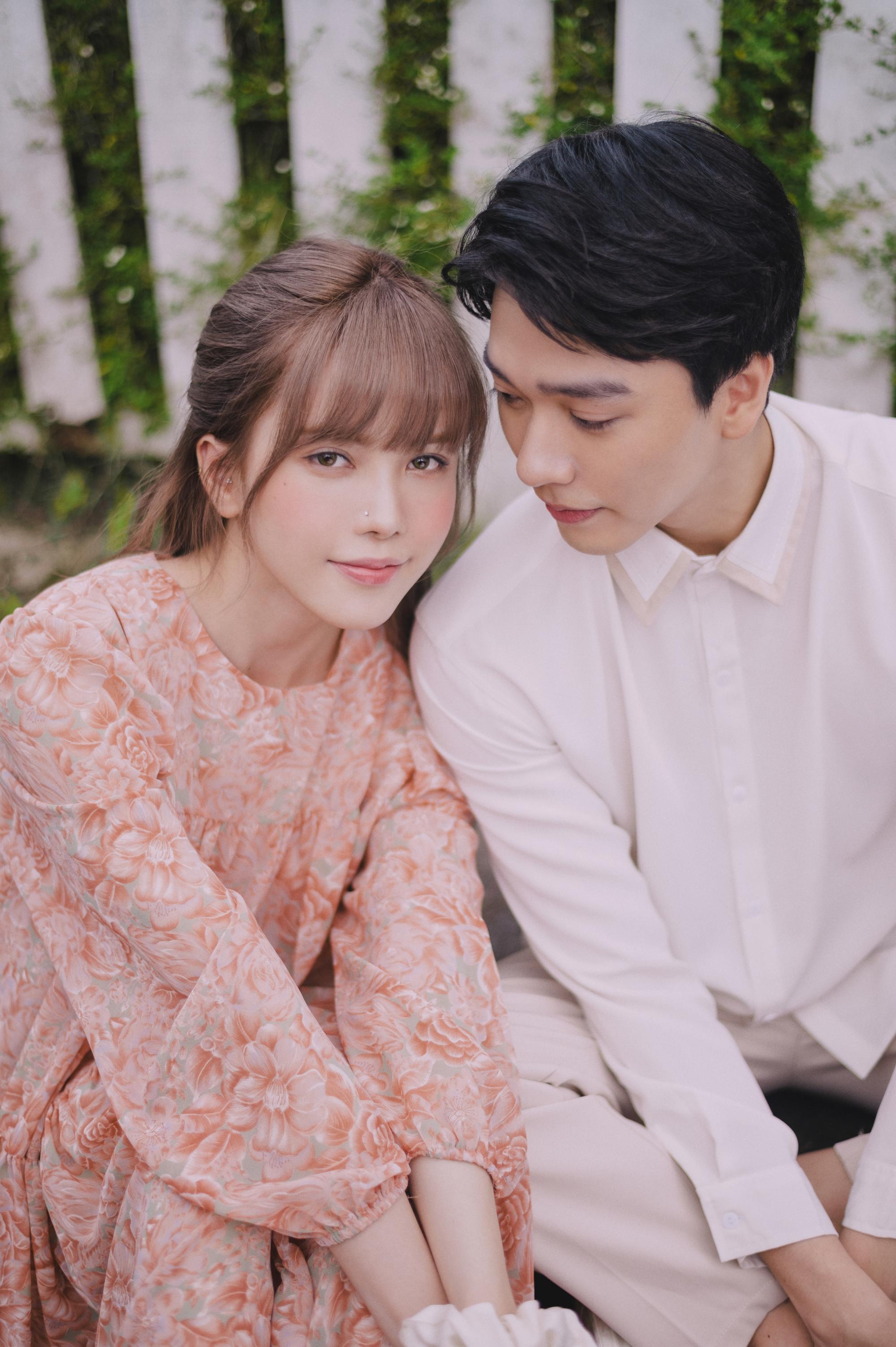 Thiều Bảo Trâm diễn xuất cùng trai đẹp trong MV.