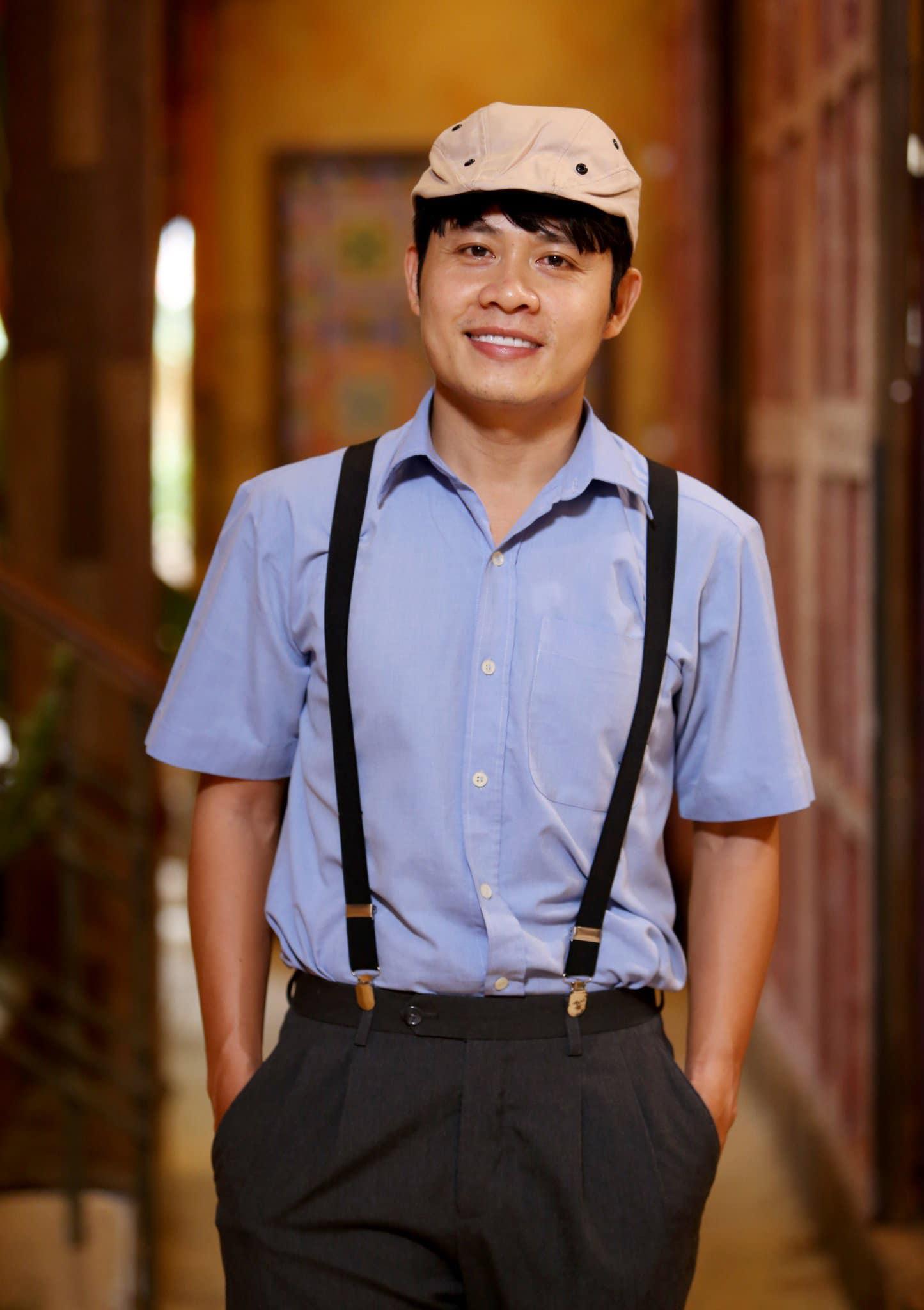 Ông hoàng hóng hớt Nguyễn Văn Chung hiện xóa bài đăng không biết thay tã cho con.