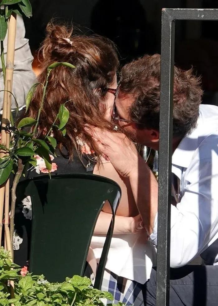 Bằng chứng ngoại tình của Lily James và Dominic West tại Italy. Ảnh: Backgrid.