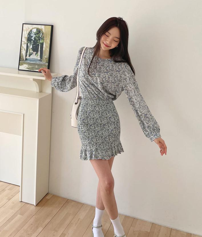 Nếu nàng có chiều cao khiêm tốn, hãy chọn váy có chiều dài ngang gối để trở nên cân đối hơn.