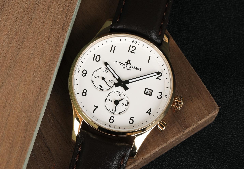 Jacques Lemans, thương hiệu độc quyền tại Đăng Quang Watch, chinh phục tín đồ bởi thiết kế thanh lịch, bộ máy Thuỵ Sĩ phức tạp.