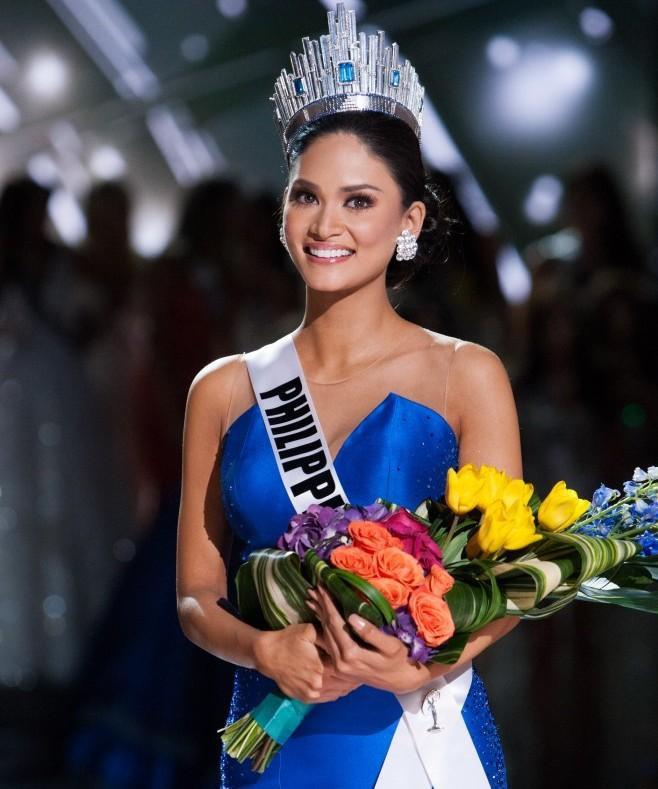 Miss Universe 2015 Pia Wurtzbach thắc mắc giải bình chọn của Khánh Vân.