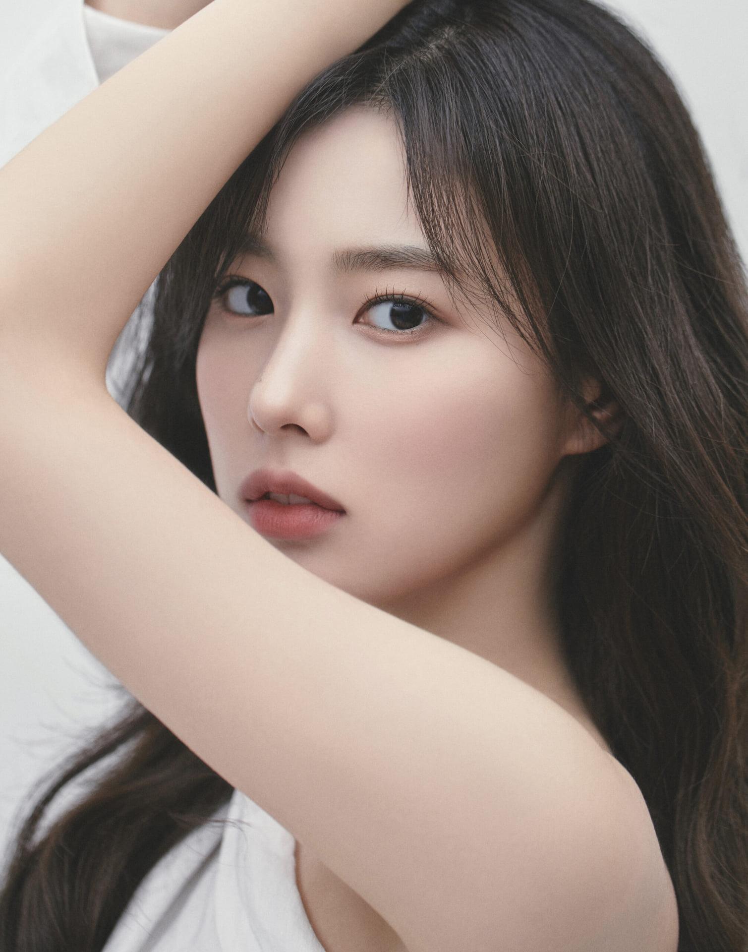 3 visual của IZONE: Kang Hye Won lên đời nhan sắc, Min Ju bị chê đờ đẫn - 3